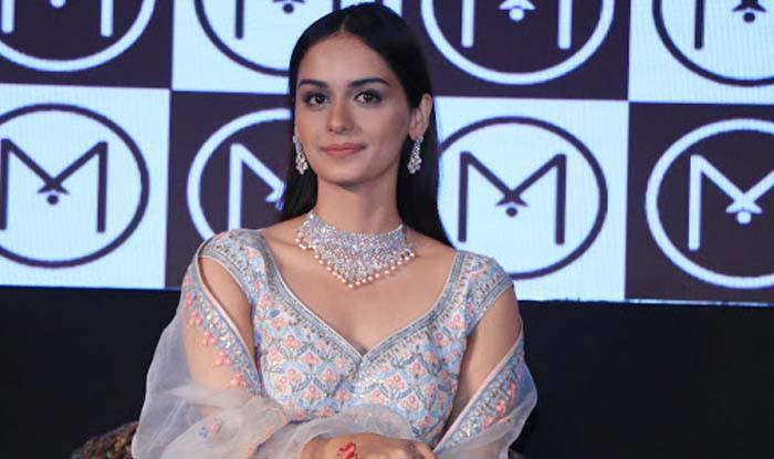 Photo of MISS WORLD MANUSHI CHILLAR SIGNS UP AS MALABAR GOLD BRAND AMBASSADOR