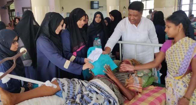 Photo of MEELADUNNABI: SANA SHAHEEN COLLEGE STUDENTS EXTEND HEALING HAND TO PATIENTS AT KIMS