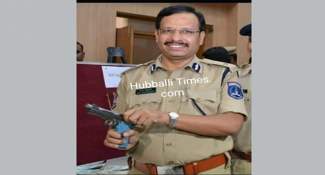 Photo of HUBBALLI CONGRATS TOP COP SAJJANAR ON 'ENCOUNTER'