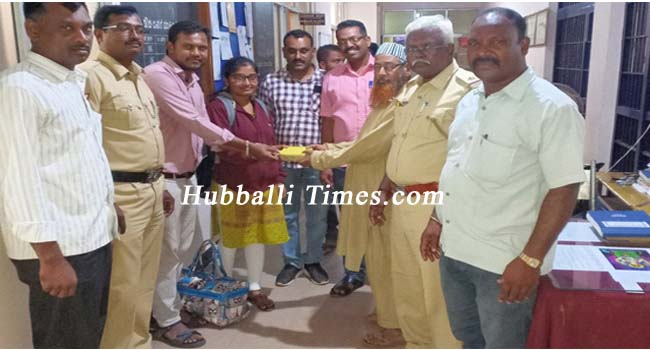 Photo of HONEST AUTO DRIVER ABDUL RETURNS LOST BAG WITH CASH, GOLD