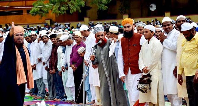 Photo of Follow lockdown, offer Eid namaz at home, Deoband, JIH tell Muslims. Here's how to pray Eid namaz at home
