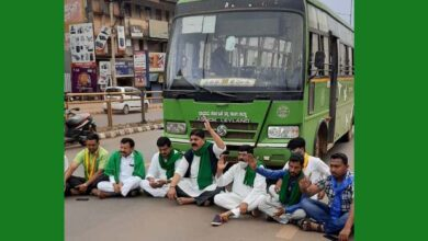 Photo of Bharat Bandh: Protesters Stop Buses In Hubballi