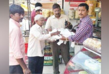 Photo of HDMC Officers Seize 70 KG Plastic Bags From Shops, Fine Owners